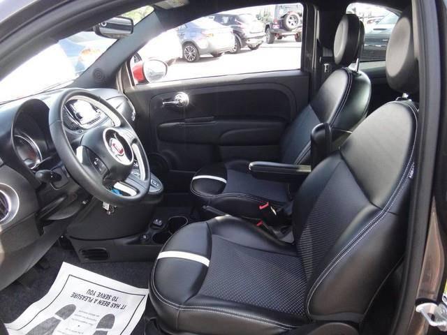 2017 Fiat 500e 3C3CFFGE1HT563254