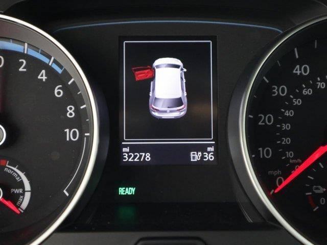 2015 Volkswagen e-Golf WVWPP7AUXFW905775