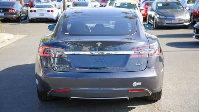 2015 Tesla Model S 5YJSA1E29FF105345