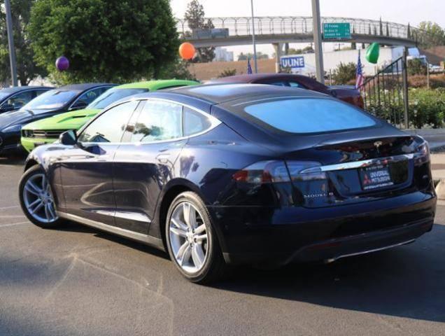 2015 Tesla Model S 5YJSA1H23FF084827