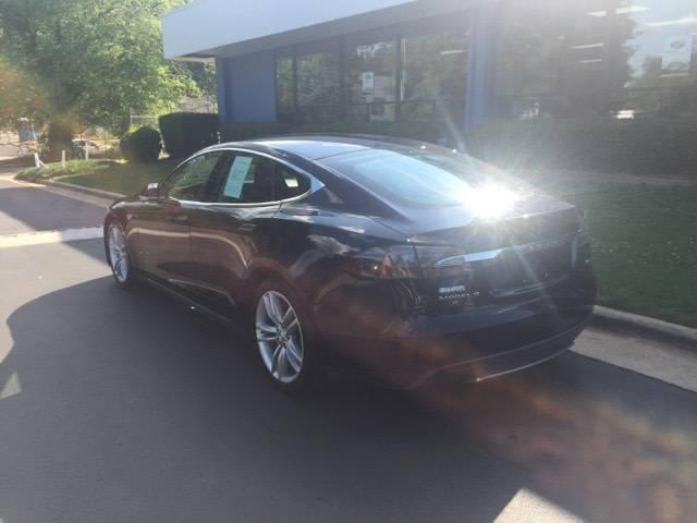 2015 Tesla Model S 5YJSA1H29FFP70581