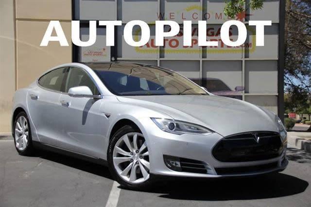 2015 Tesla Model S 5YJSA4H18FF081687