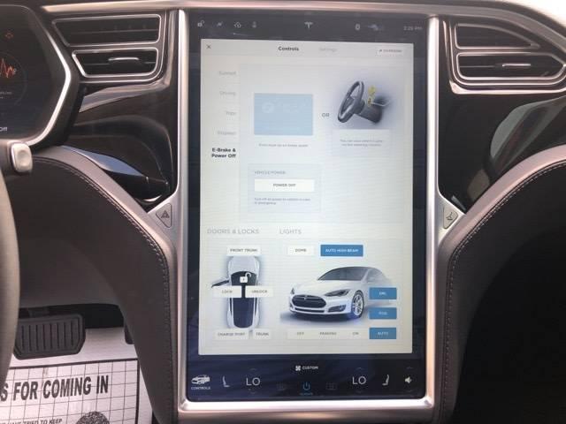 2015 Tesla Model S 5YJSA1S11FF082395
