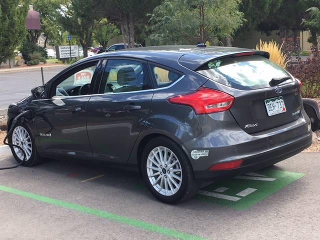 2017 Ford Focus 1FADP3R44HL325089