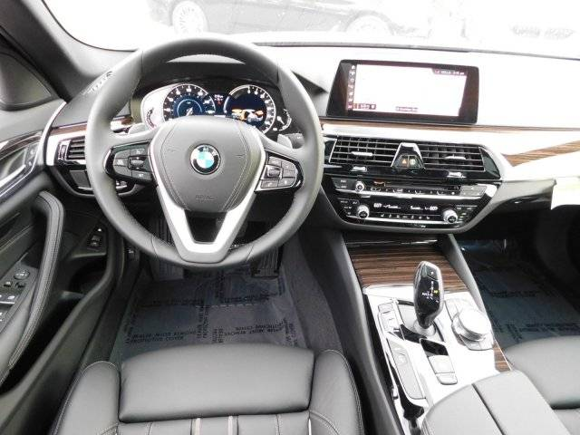 2019 BMW 5 Series WBAJA9C54KB254229