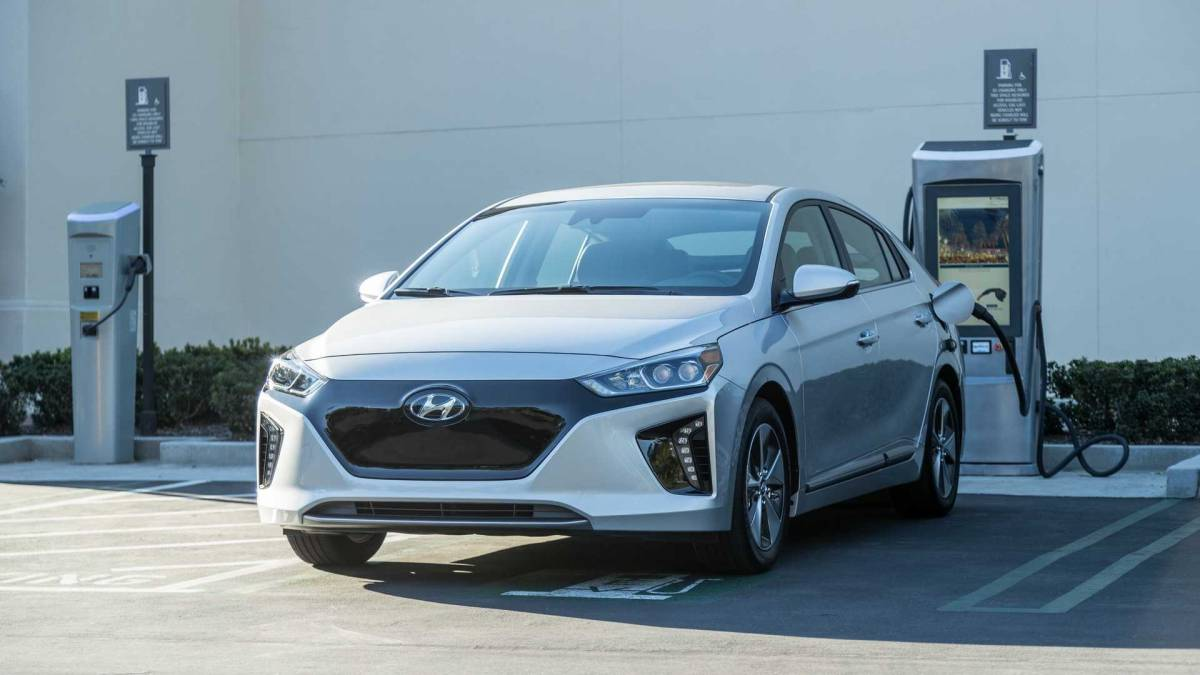 The Best Electric Car Lease Deals Under 300 Per Month
