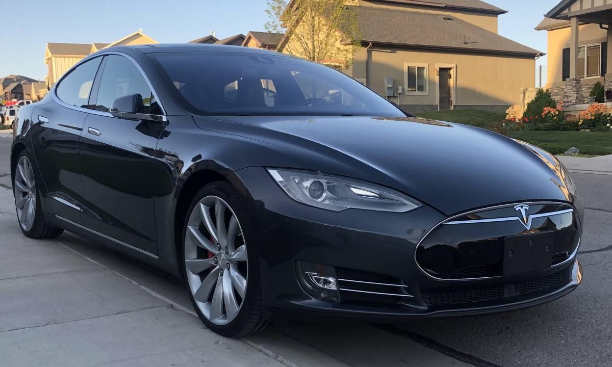 2015 Tesla Model S 5YJSA1H2XFFP78298