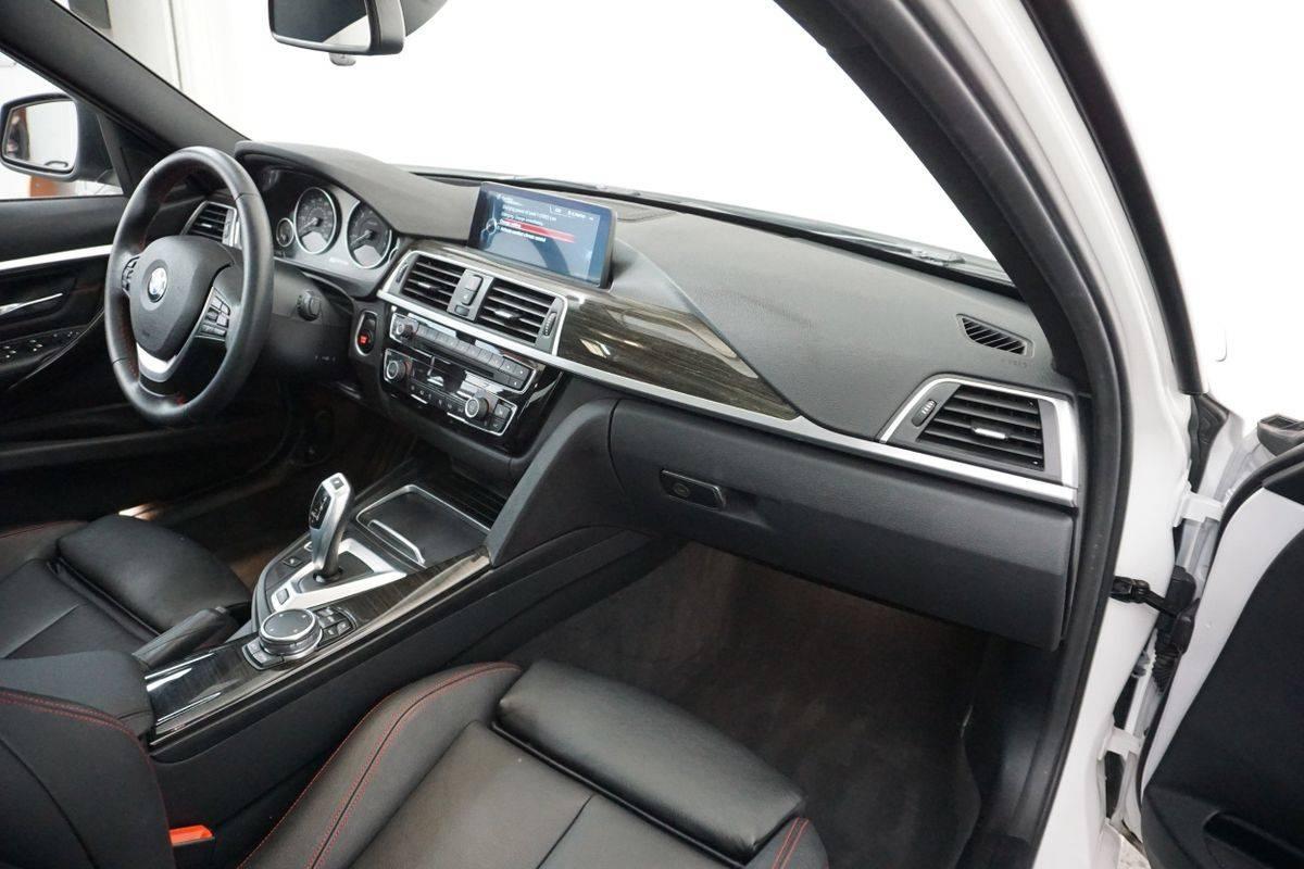 2016 BMW 3 Series WBA8E1C51GK479736