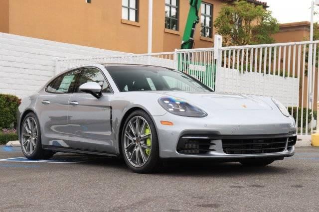 2019 Porsche Panamera WP0AE2A71KL125541