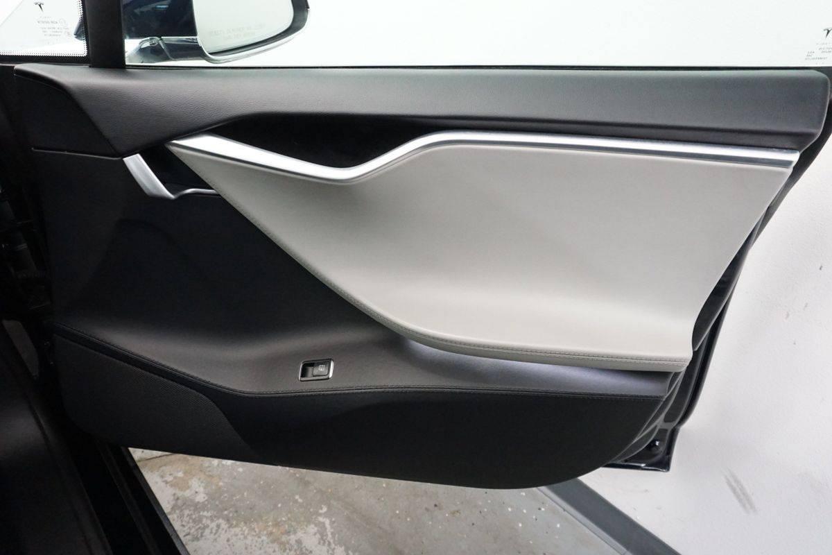 2013 Tesla Model S 5YJSA1DP1DFP07313