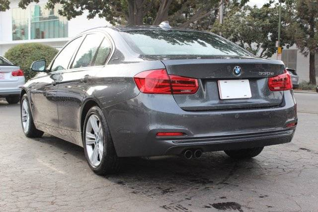 2017 BMW 3 Series WBA8E1C52HK895067