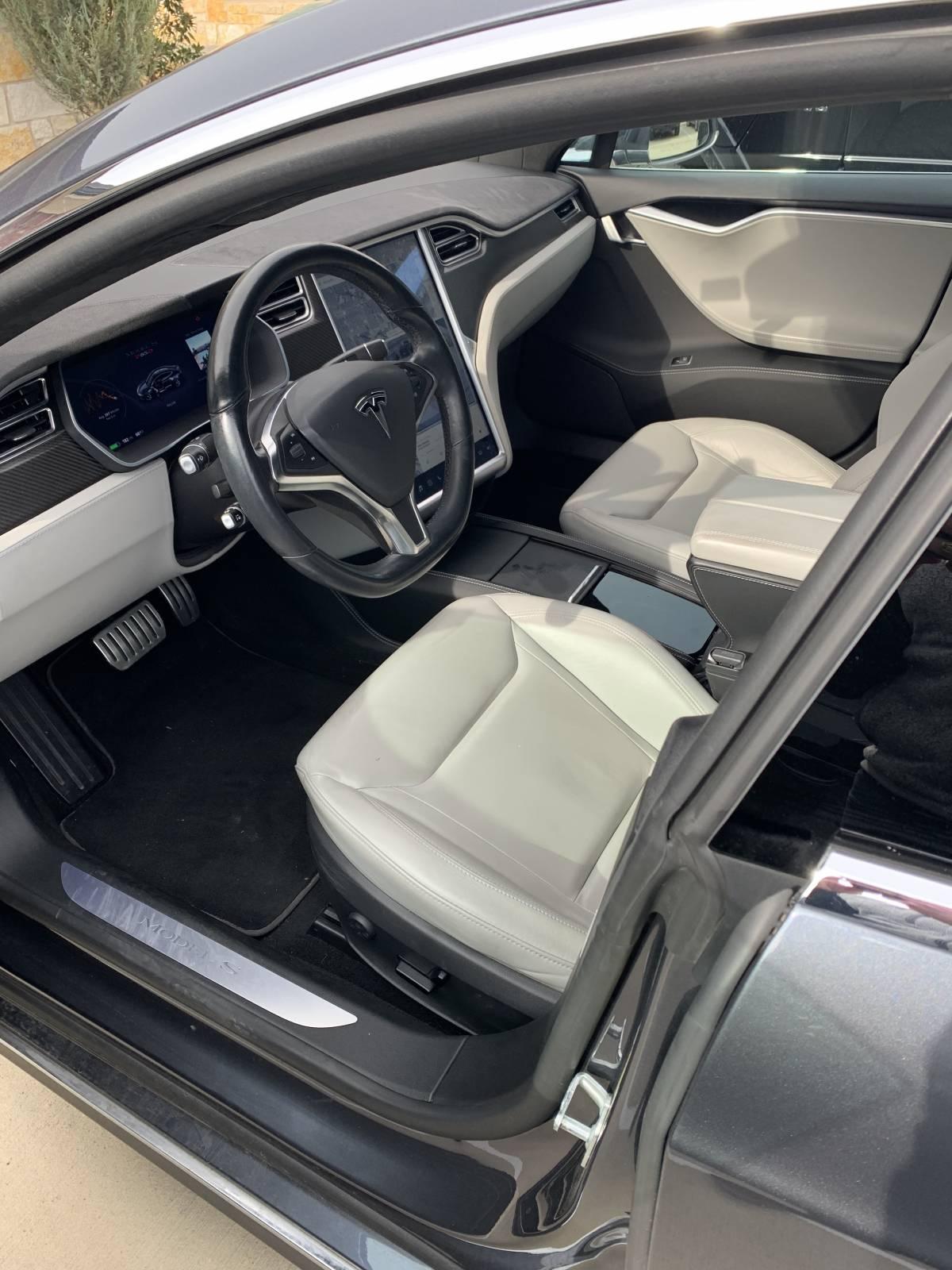 2015 Tesla Model S 5YJSA4H21FFP78109