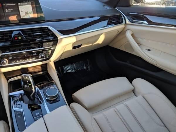 2019 BMW 5 Series WBAJA9C50KB389031