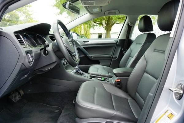 2016 Volkswagen e-Golf WVWPP7AU2GW912740