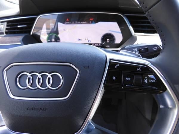 2019 Audi e-tron WA1VAAGE5KB012883