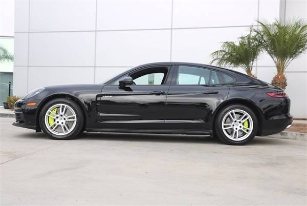 2018 Porsche Panamera WP0AE2A76JL177925