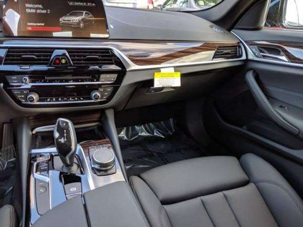 2019 BMW 5 Series WBAJA9C50KB399445