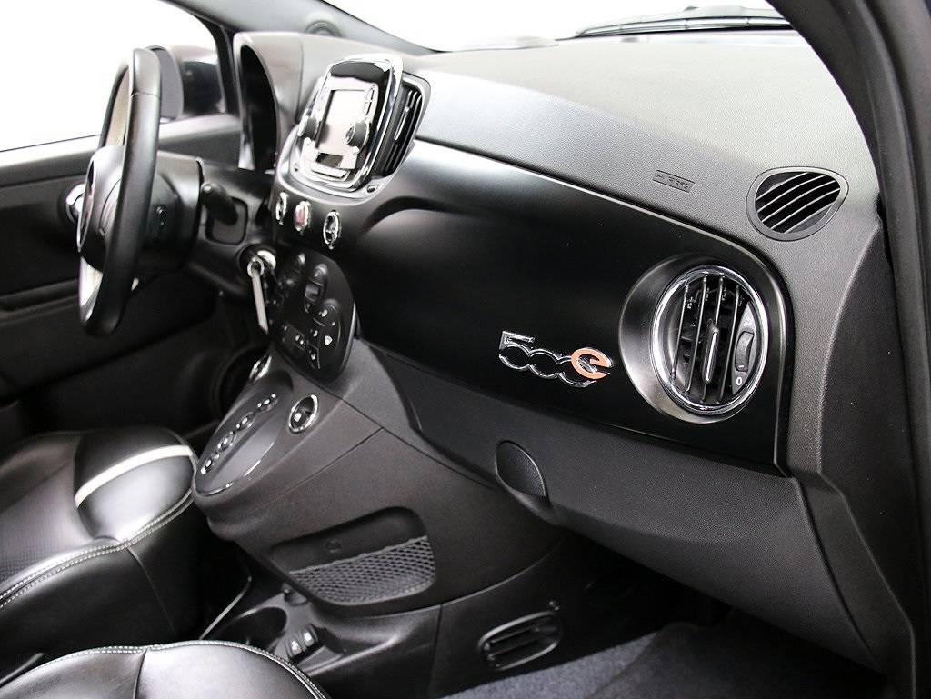 2017 Fiat 500e 3C3CFFGE2HT514127
