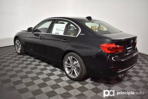 2017 BMW 3 Series WBA8E1C30HA156851