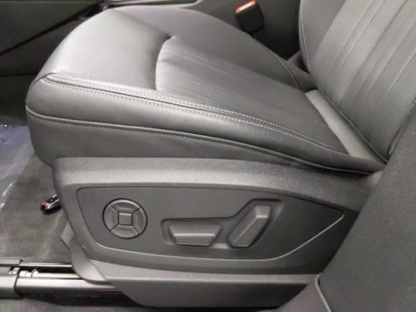 2019 Audi e-tron WA1LAAGE6KB009949