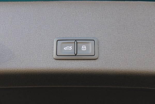 2019 Audi e-tron WA1LAAGE3KB006328