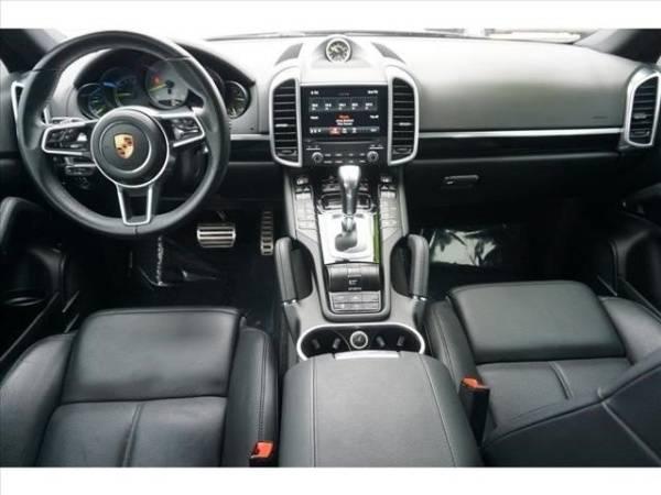 2018 Porsche Cayenne WP1AE2A29JLA70810