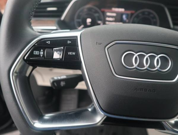 2019 Audi e-tron WA1LAAGE3KB009567