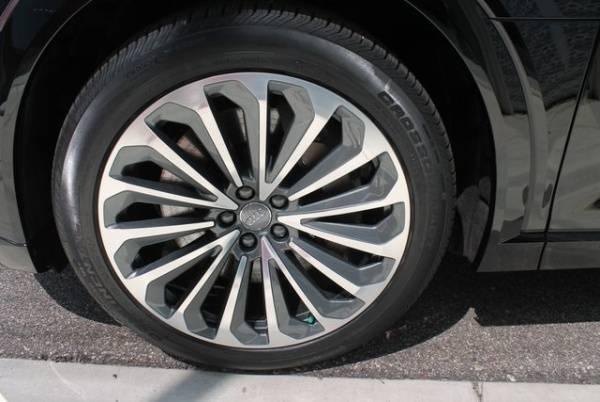 2019 Audi e-tron WA1VABGE8KB008834