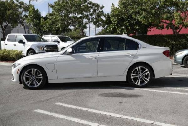 2017 BMW 3 Series WBA8E1C35HA156912