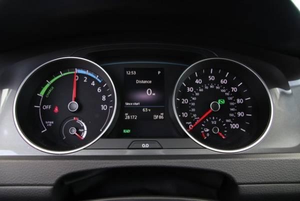 2016 Volkswagen e-Golf WVWKP7AU5GW915335