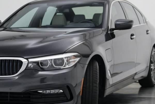 2018 BMW 5 Series WBAJB1C55JG623924