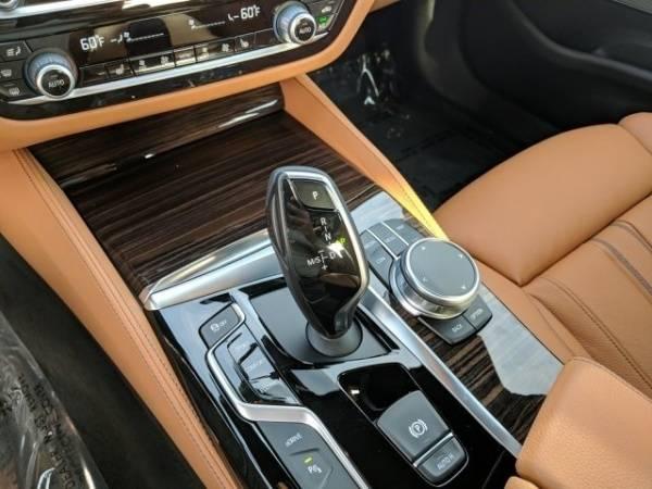 2018 BMW 5 Series WBAJA9C56JB252237