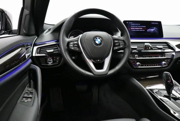 2019 BMW 5 Series WBAJB1C59KB376373