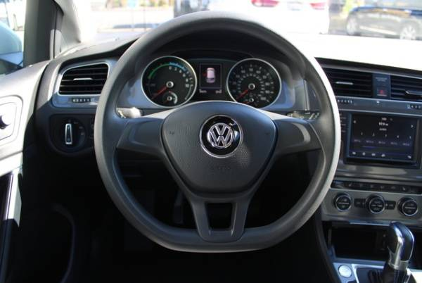 2016 Volkswagen e-Golf WVWKP7AU8GW916589