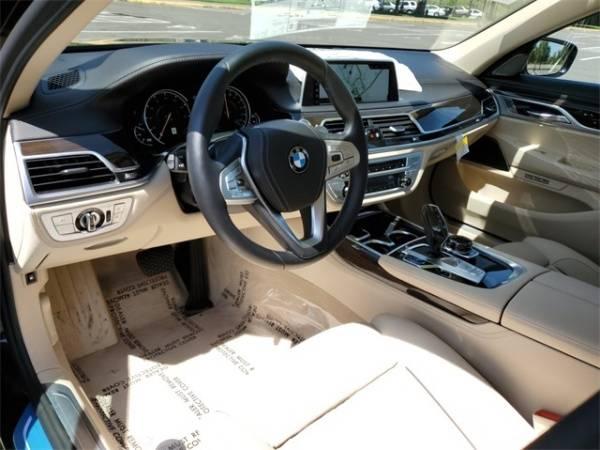 2018 BMW 7 Series WBA7J2C58JG938400