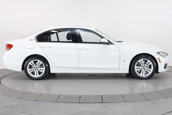 2017 BMW 3 Series WBA8E1C36HA156370