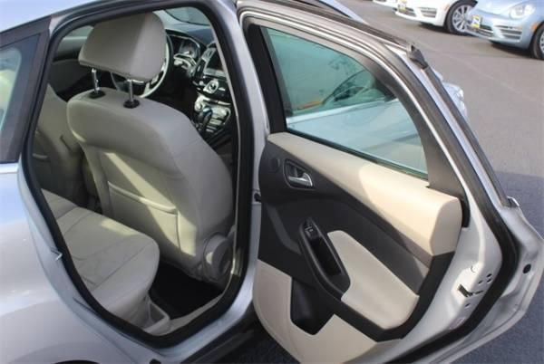 2014 Ford Focus 1FADP3R45EL375611