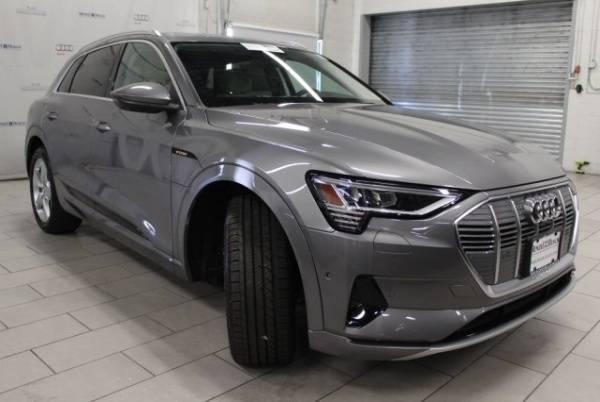 2019 Audi e-tron WA1LAAGE6KB011040