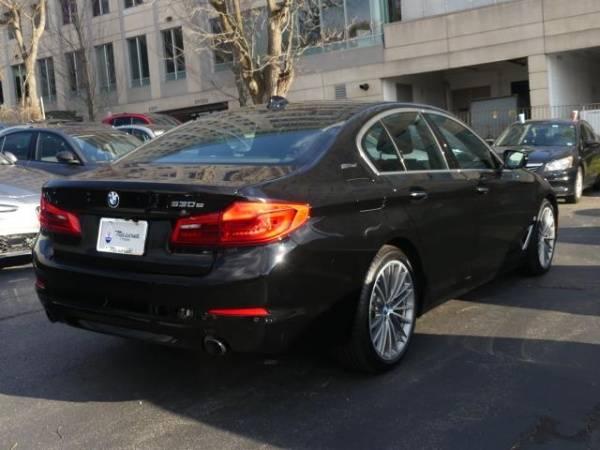 2018 BMW 5 Series WBAJB1C56JB374675