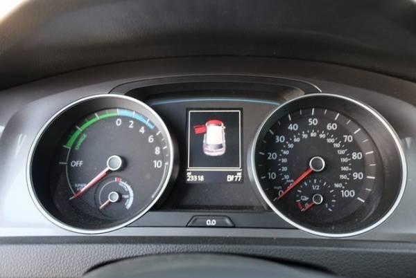 2016 Volkswagen e-Golf WVWKP7AU1GW908995