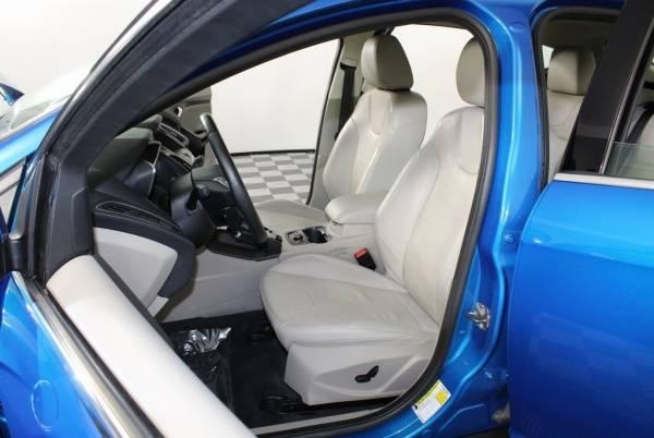 2014 Ford Focus 1FADP3R43EL271716