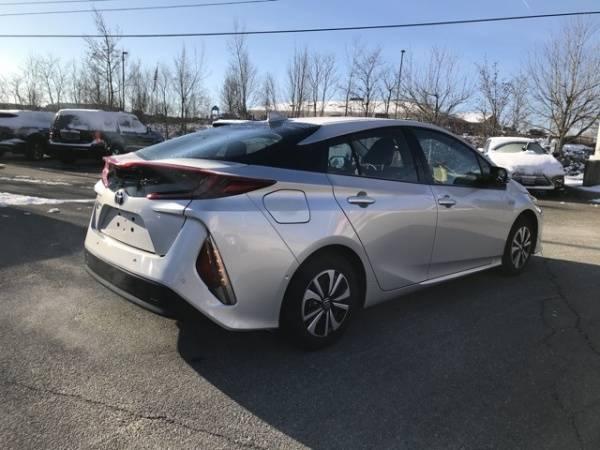 2017 Toyota Prius Prime JTDKARFPXH3058402