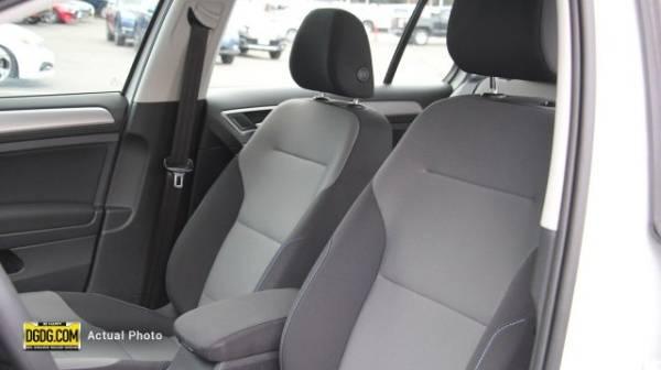2016 Volkswagen e-Golf WVWKP7AU9GW912826