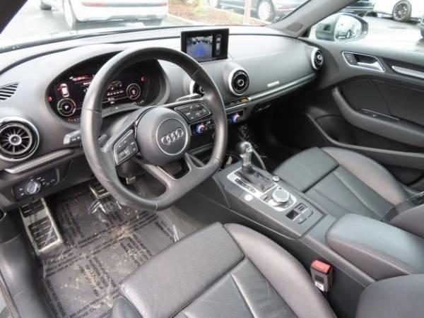 2017 Audi A3 Sportback e-tron WAUTPBFF0HA037603
