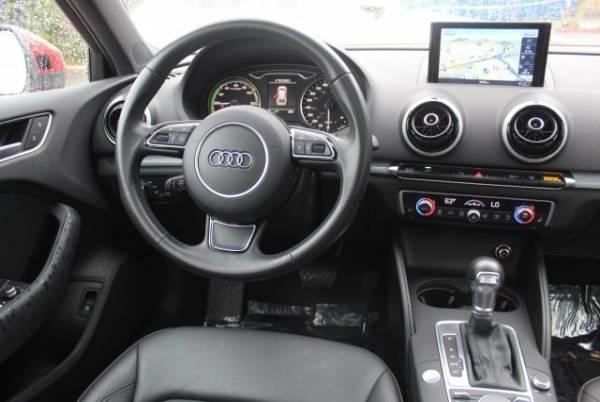 2016 Audi A3 Sportback e-tron WAUTPBFF8GA092797