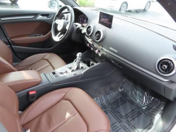 2017 Audi A3 Sportback e-tron WAUTPBFF2HA043791