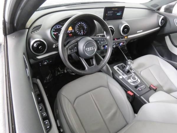 2017 Audi A3 Sportback e-tron WAUUPBFF5HA044972
