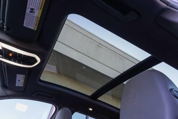 2017 Porsche Cayenne WP1AE2A21HLA69970