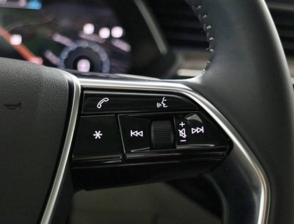 2019 Audi e-tron WA1LAAGE2KB009768