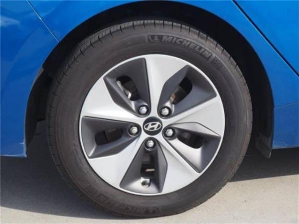 2018 Hyundai IONIQ KMHC75LH0JU027390